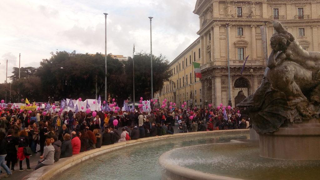 NON UNA DI MENO, ROMA. CORTEO IN PARTENZA DA PIAZZA DELLA REPUBBLICA-LIVE