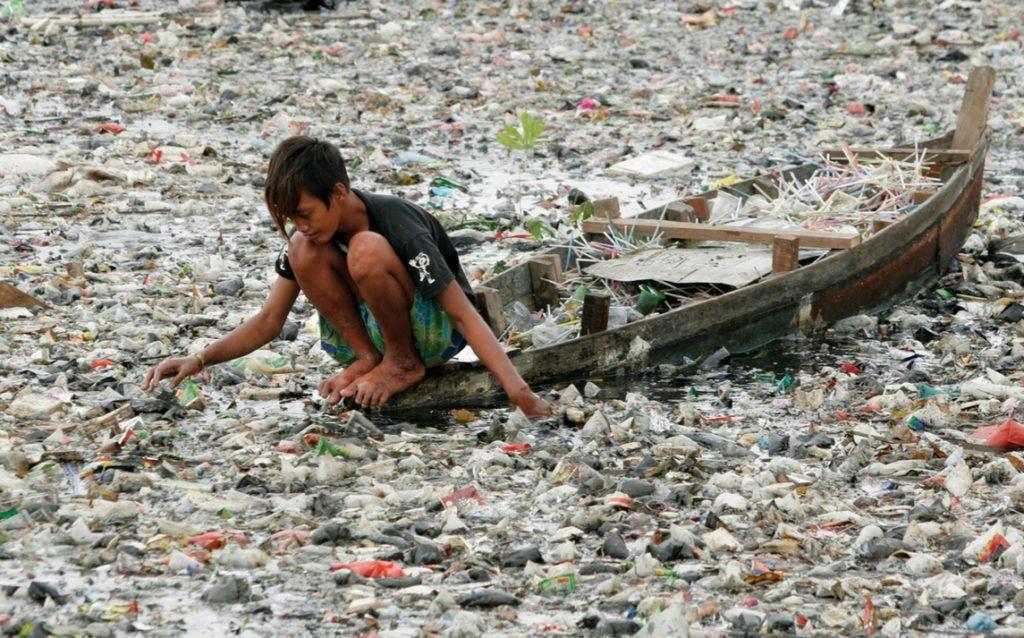 PLASTICA E MICROPLASTICHE, UE, GB E CINA SI MUOVONO CONTRO IL DISASTRO ECOLOGICO