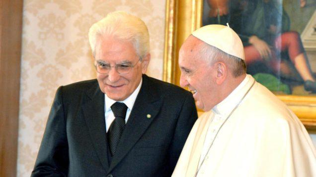 Mattarella invita al Quirinale papa Francesco