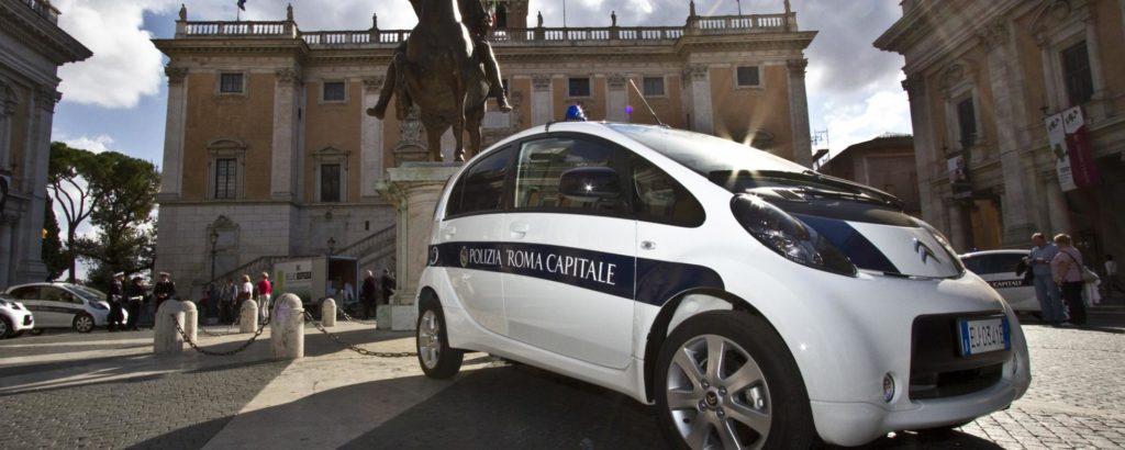 MOBILITA' SOSTENIBILE, ALTRE QUATTRO AUTO ELETTRICHE PER ROMA CAPITALE
