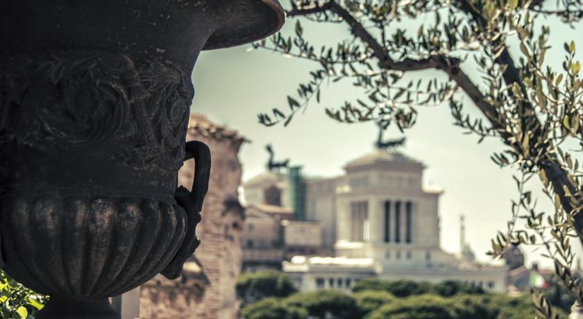 """PRODOTTI """"MADE IN ROME"""" SBARCANO SUL WEB. GIUNTA RAGGI SUPPORTERA' E-COMMERCE"""