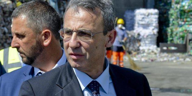 Incendi:Costa, siti stoccaggio rifiuti diventino 'sensibili'