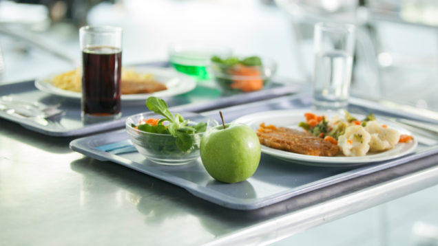 mensa-ristorazione-iStock_000043400100_Small