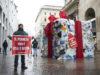 """Disrupt Black Friday 2018 –  """"Return to Sender"""" Protest in MilanGREENPEACE IN AZIONE A MILANO CONTRO IL BLACK FRIDAY, «IL CONSUMISMO ECCESSIVO STA DEVASTANDO IL PIANETA»"""