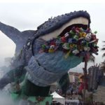 Plastica, al carnevale di Viareggio arriva il grido della balena