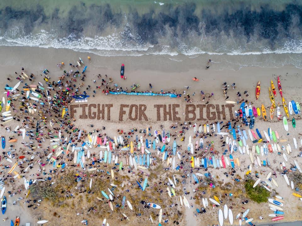 Petrolio, surfisti in difesa della costa australiana con il movimento Fight for the Bight