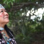 Deputata, indigena e donna: ritratto della brasiliana che sta tenendo testa a Bolsonaro
