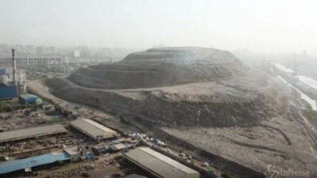 india discarica rifiuti