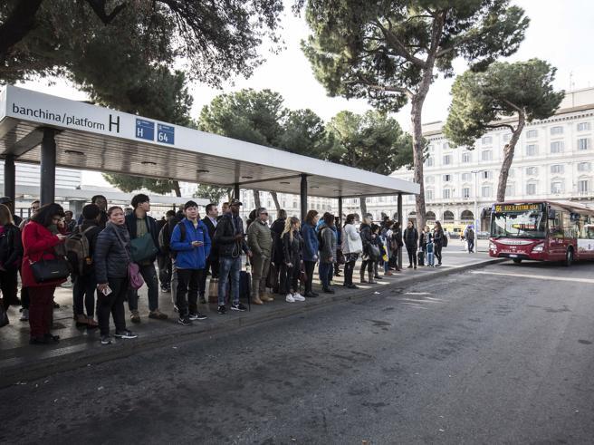 Sciopero mezzi Roma, rinviato a martedì 25 giugno. Info e orari