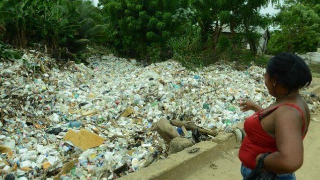 fiume di plastica santo domingo 3