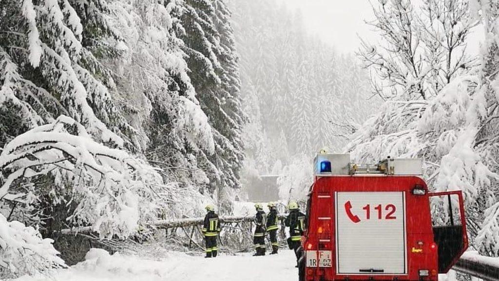 Clima, in Alto Adige continua l'allerta frane e valanghe