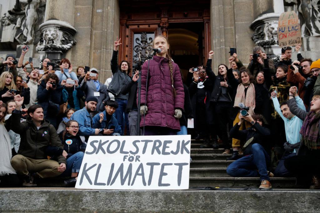 """Clima, manifestazione di Fridays for Future a Losanna; Greta """"non avete ancora visto nulla"""""""
