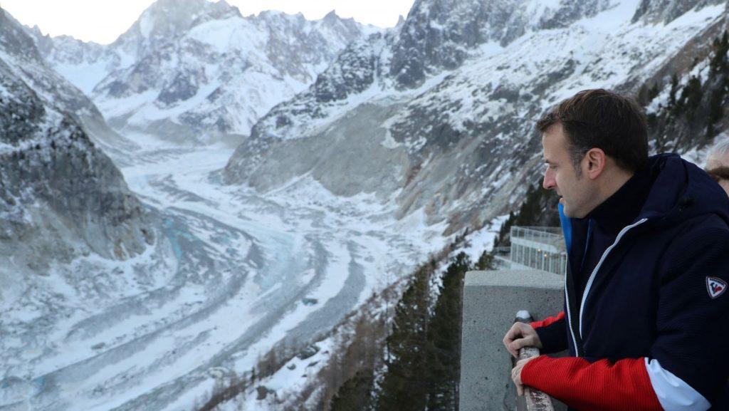"""Macron sul Monte Bianco: """"parte da qui la mia battaglia green"""""""