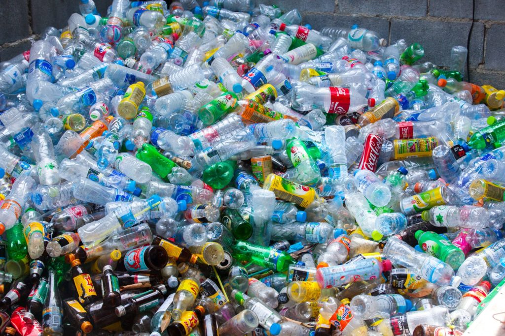 Ue a caccia di 15 miliardi, in arrivo l'eurotassa su plastica ed emissioni