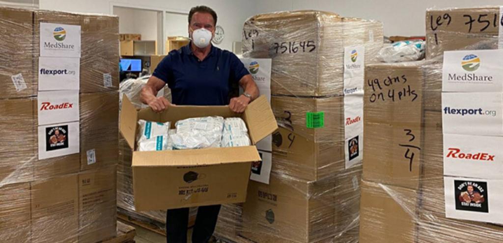 "Coronavirus, Schwarzenegger consegna 50mila mascherine: ""Noi dobbiamo fare la nostra parte"""