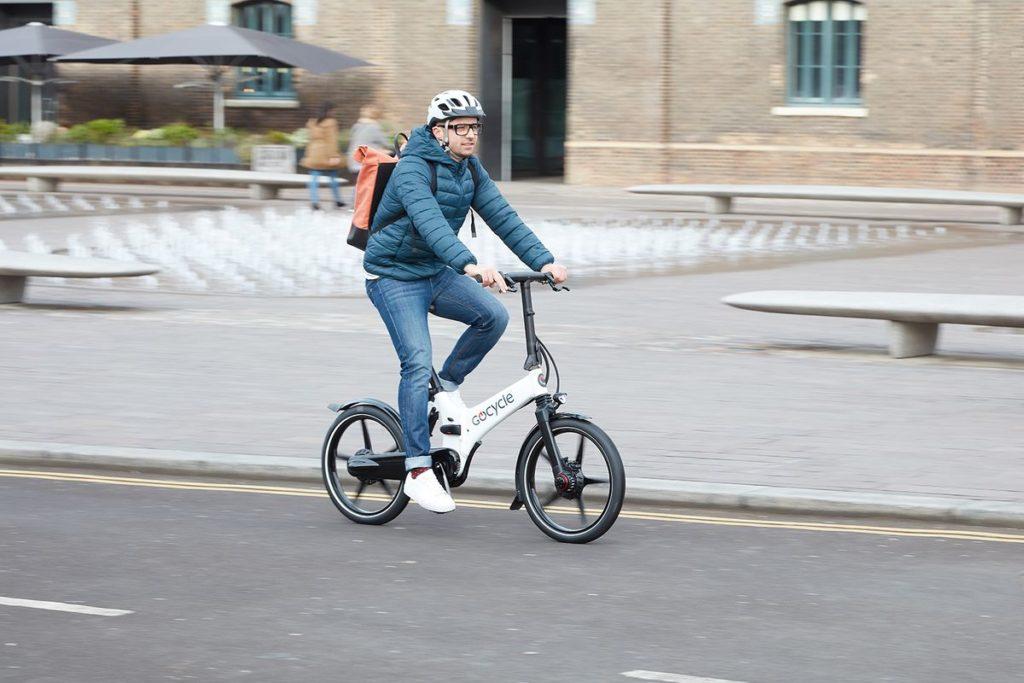 Regno Unito, uno studio promuove le e-bikes come soluzione per gli spostamenti