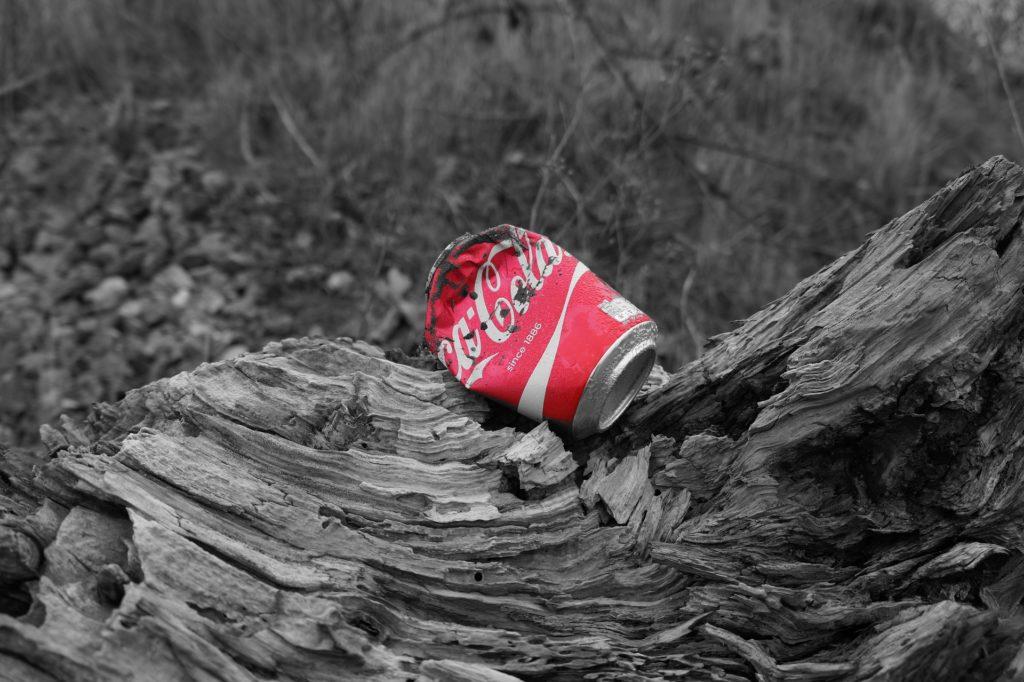 Riciclo, tutte le promesse non mantenute di Coca Cola e soci