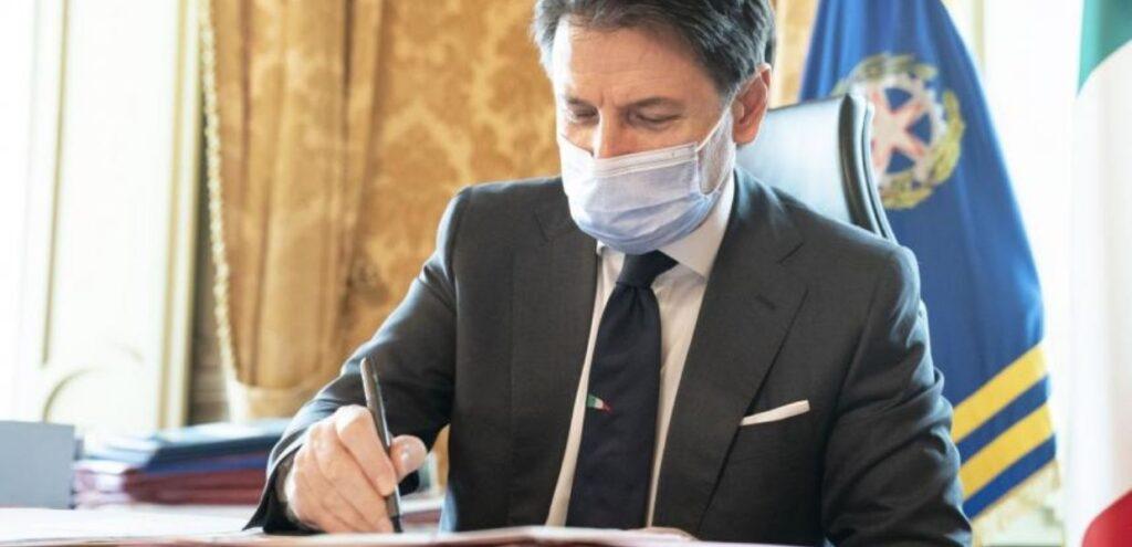 Coronavirus, Conte firma il nuovo Dpcm. Tutte le novità