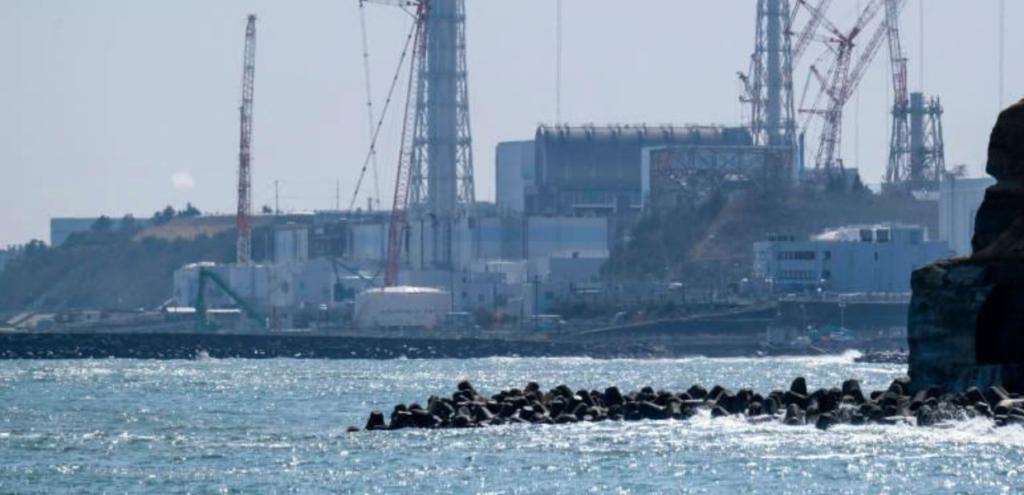 Fukushima, il governo giapponese riverserà l'acqua contaminata nell'Oceano Pacifico