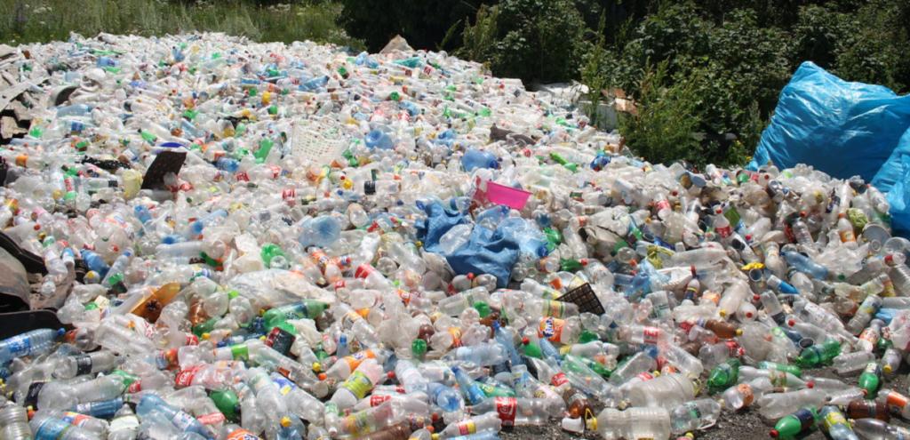 Plastica, altro che riciclo: in Turchia viene importata ma bruciata o dispersa nell'ambiente