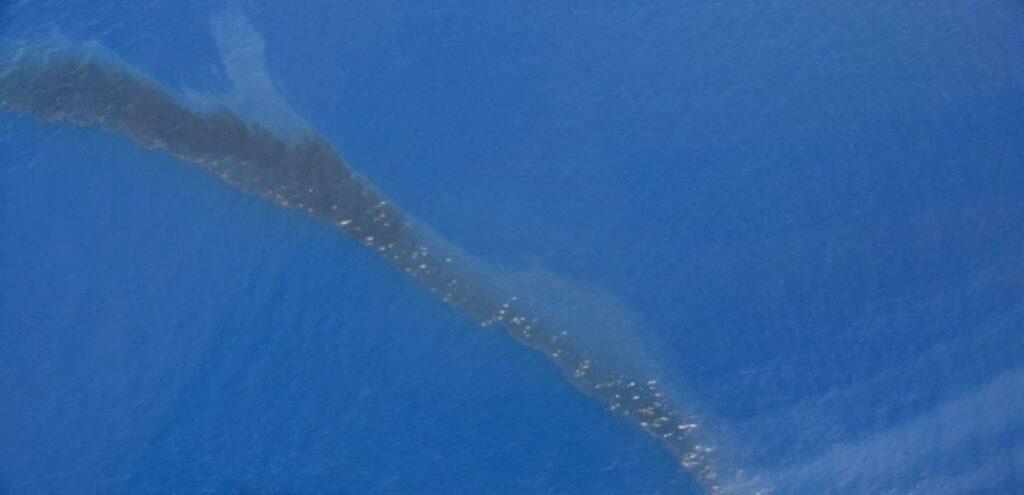 Sversamento di idrocarburi pesanti al largo della Corsica, scatta il Piano Antinquinamento