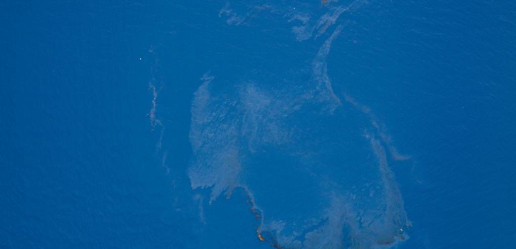 Inquinamento, sotto controllo la fuoriuscita di petrolio al largo della Corsica
