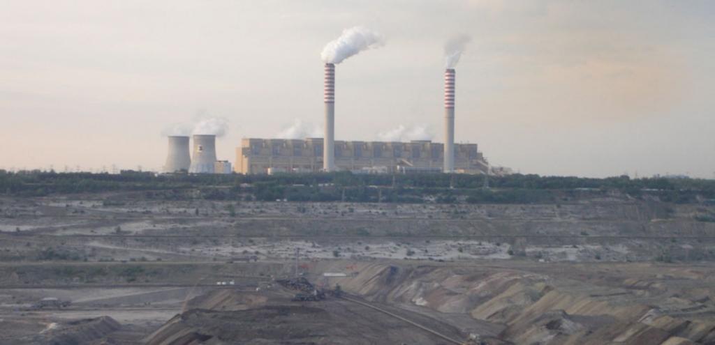 Polonia, la centrale a carbone più inquinante d'Europa chiuderà entro il 2036