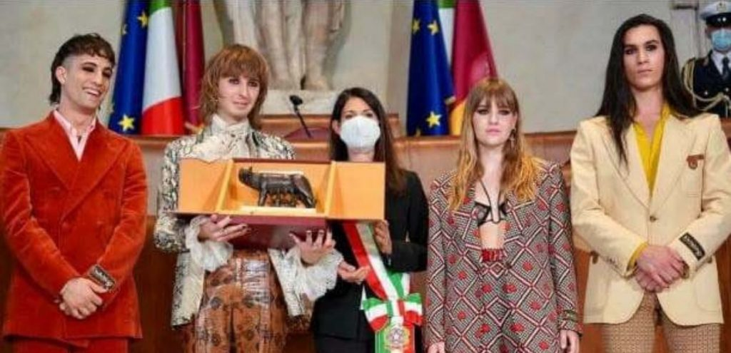 Måneskin in Campidoglio ricevono la Lupa Capitolina, massima onorificenza della Città