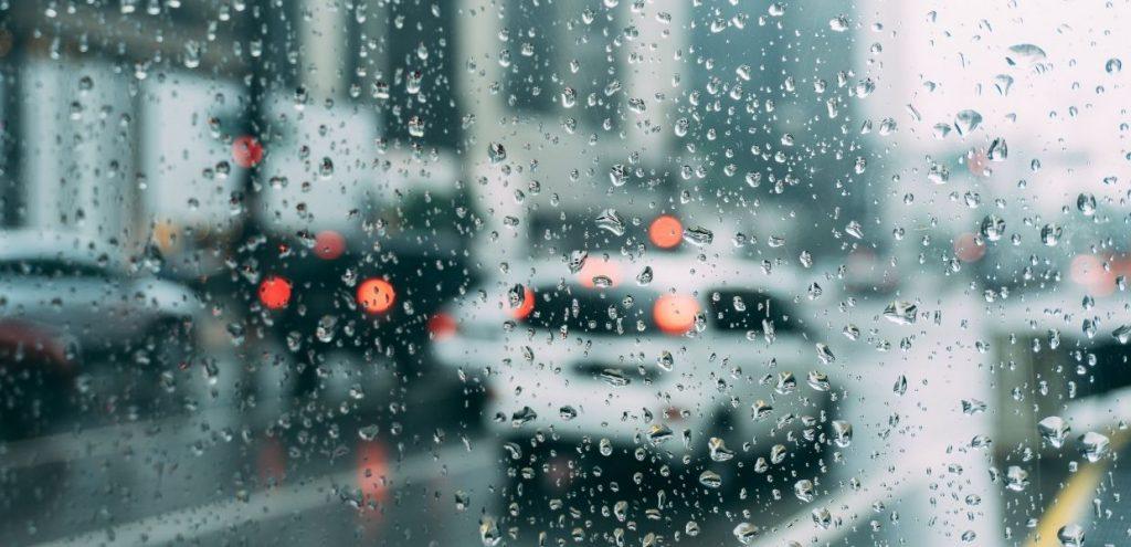 Ondate di calore e alluvioni, codice rosso per sei città italiane