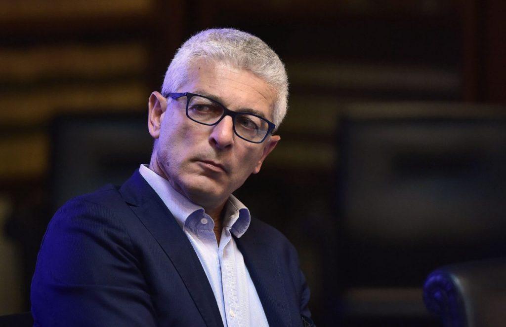 """""""Le mafie nel ministero dell'ambiente"""": monta la polemica per le parole di Nicola Morra"""